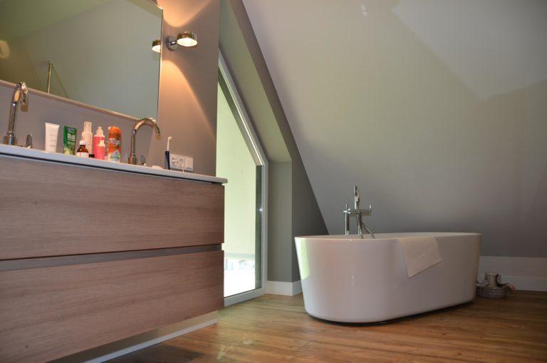 drijvers-oisterwijk-nieuwbouw-woonhuis-interieur-pannendak-metselwerk-houten-gevel-verlichting-modern-landelijk-ramen-deuren (14)