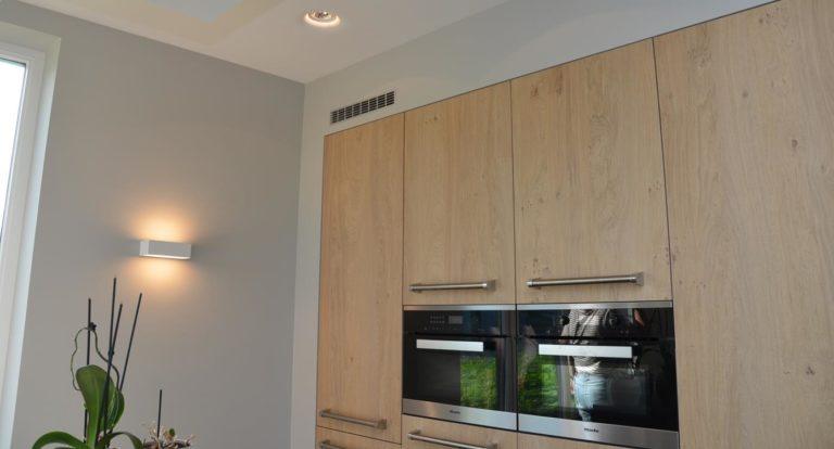 drijvers-oisterwijk-nieuwbouw-keuken-woonhuis-interieur-pannendak-metselwerk-houten-gevel-verlichting-modern-landelijk-ramen-deuren (4)