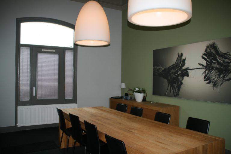 drijvers-oisterwijk-station-vught-verbouwing-interieur-kantoor-tapijt-grijs-groen (1)