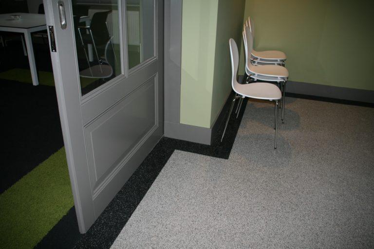 drijvers-oisterwijk-station-vught-verbouwing-interieur-kantoor-tapijt-grijs-groen (11)