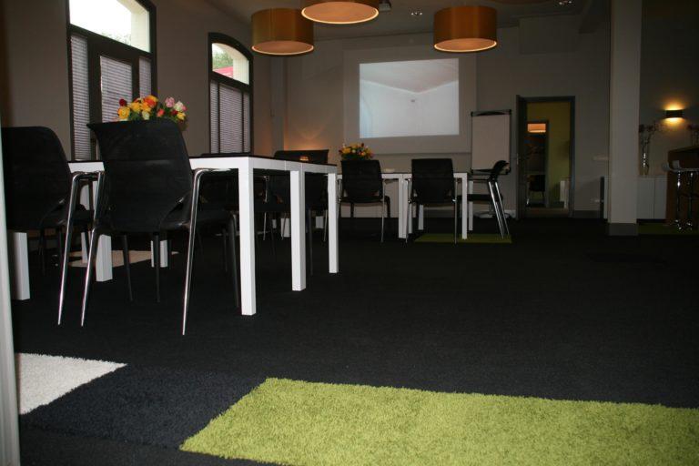 drijvers-oisterwijk-station-vught-verbouwing-interieur-kantoor-tapijt-grijs-groen (15)