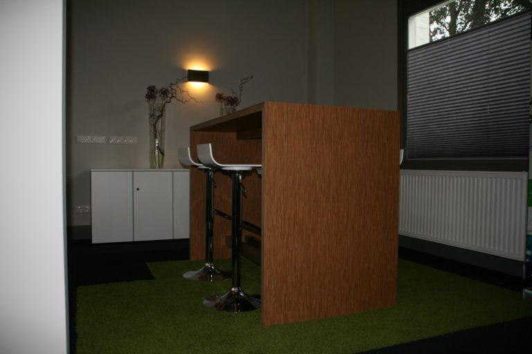 drijvers-oisterwijk-station-vught-verbouwing-interieur-kantoor-tapijt-grijs-groen (16)