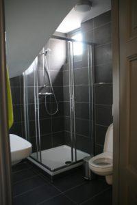 drijvers-oisterwijk-station-vught-badkamer-verbouwing-interieur-kantoor-tapijt-grijs-groen (20)