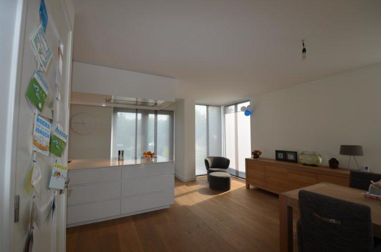 drijvers-oisterwijk-nieuwbouw-woonhuis-interieur-modern-hout-licht (14)