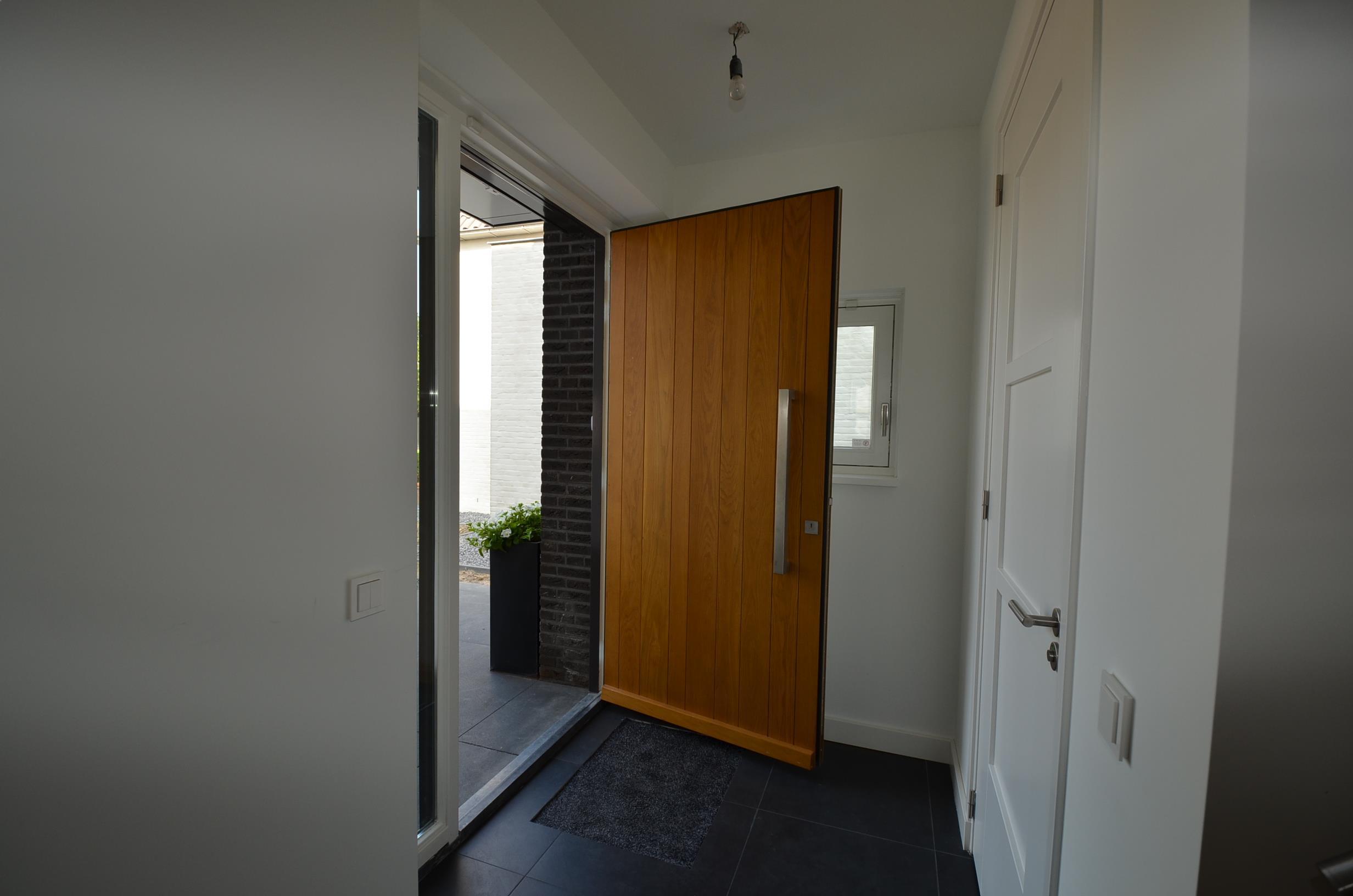 Fonkelnieuw drijvers-oisterwijk-nieuwbouw-woonhuis-voordeur-interieur-modern MU-21