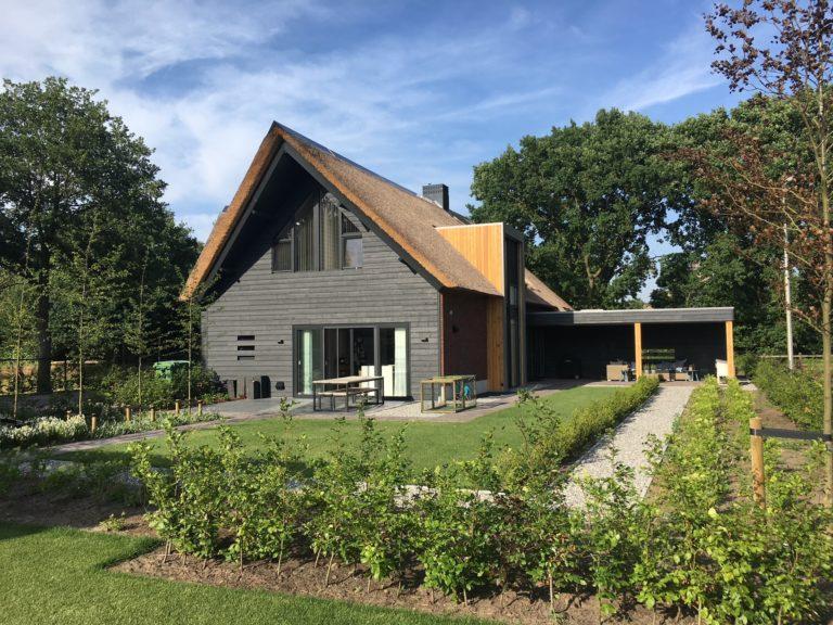 drijvers-oisterwijk-villa-Giersbergen-riet-modern-landelijk (1)-min