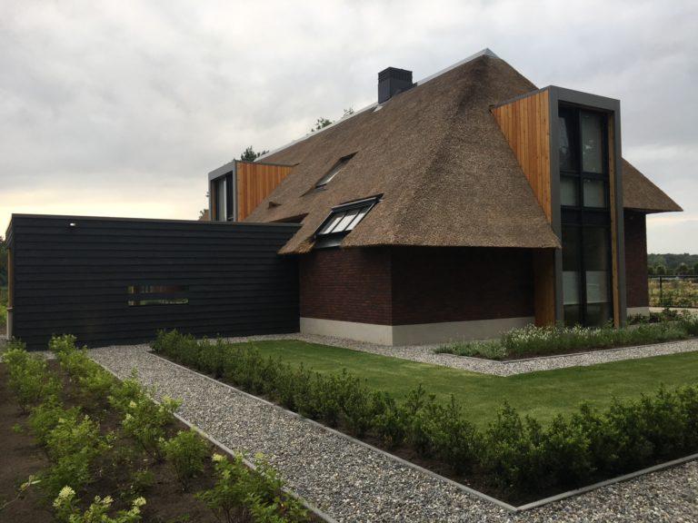 drijvers-oisterwijk-villa-Giersbergen-riet-modern-landelijk (6)-min