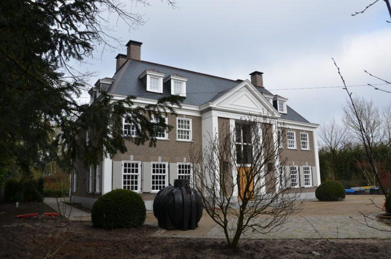 drijvers-oisterwijk-landhuis-klassiek-hardsteen-metselwerk-luiken (2)
