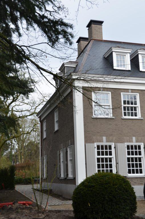 drijvers-oisterwijk-landhuis-klassiek-hardsteen-metselwerk-luiken (3)
