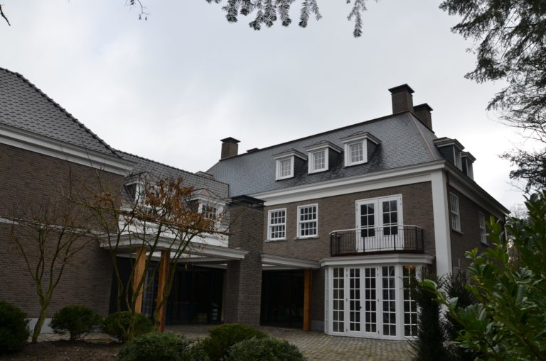 drijvers-oisterwijk-landhuis-klassiek-hardsteen-metselwerk-luiken (5)