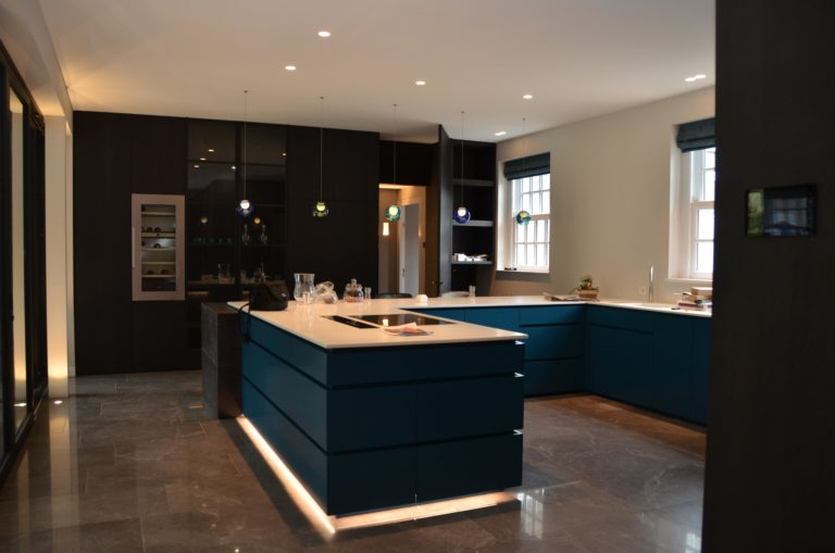 drijvers-oisterwijk-nieuwbouw-keuken-landhuis-interieur-traditioneel-landelijk-particulier-villa (21)