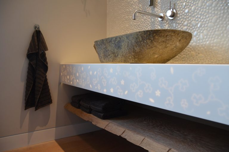 drijvers-oisterwijk-nieuwbouw-badkamer-wastafel-landhuis-interieur-traditioneel-landelijk-particulier-villa (32)