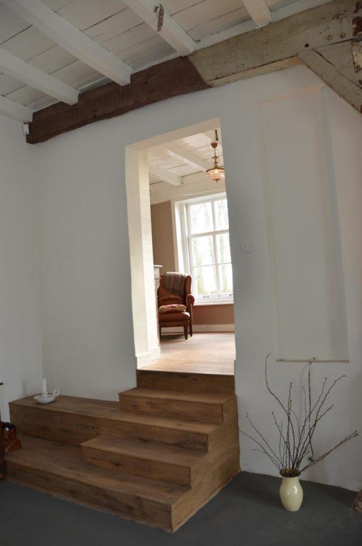 drijvers-oisterwijk-traditioneel-modern-landelijk-interieur-particulier-boerderij-monument-transparant-hout-spanten-gevel-baksteen-rietgedekt-restauratie (3)