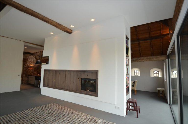 drijvers-oisterwijk-traditioneel-modern-landelijk-interieur-particulier-boerderij-monument-transparant-hout-spanten-gevel-baksteen-rietgedekt-restauratie (4)