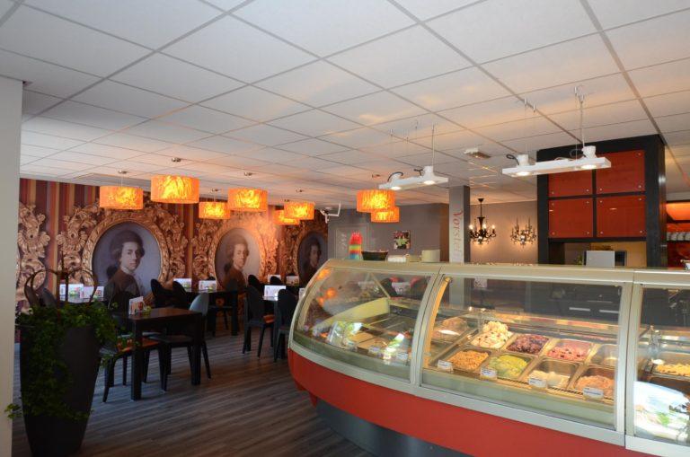 drijvers-oisterwijk-krekels-lierop-ijssalon-interieur-vorstelijk-rood-terras (3)