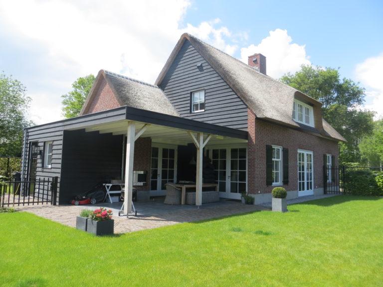 drijvers-oisterwijk-riet-baksteen-houten-gevel-wolfseind-ramen-3