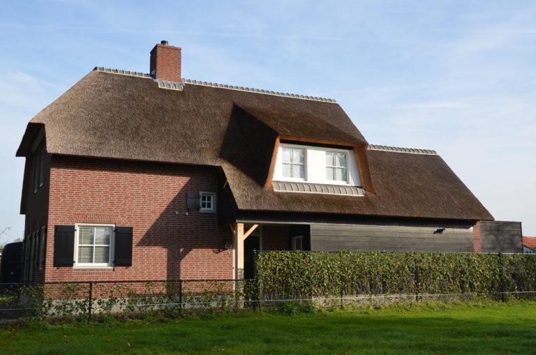 drijvers-oisterwijk-riet-baksteen-houten-gevel-wolfseind-ramen