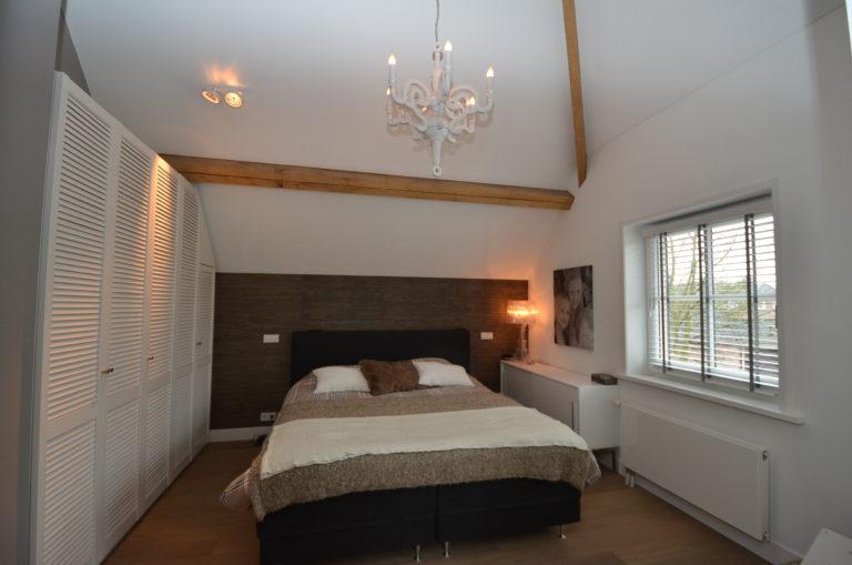 drijvers-oisterwijk-slaapkamer-houtespant-lamp