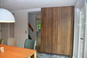 drijvers-oisterwijk-woonhuis-interieur-modern-licht-hout-tegel-verlichting (4)