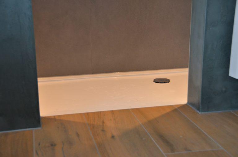 drijvers-oisterwijk-verbouwing-badkamer-spachtelpoets-hout-tegel-interieur-woonhuis (10)-min