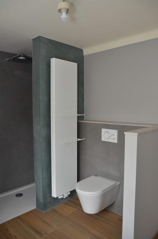 drijvers-oisterwijk-verbouwing-badkamer-spachtelpoets-hout-tegel-interieur-woonhuis (11)-min