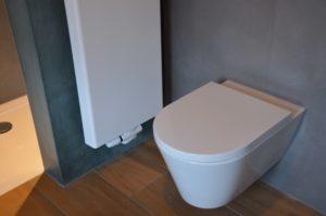 drijvers-oisterwijk-verbouwing-badkamer-spachtelpoets-hout-tegel-interieur-woonhuis (4)-min