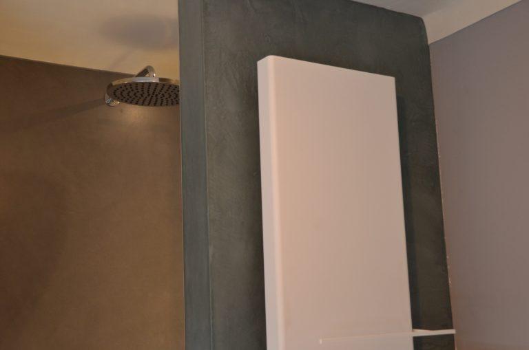 drijvers-oisterwijk-verbouwing-badkamer-spachtelpoets-hout-tegel-interieur-woonhuis (5)-min