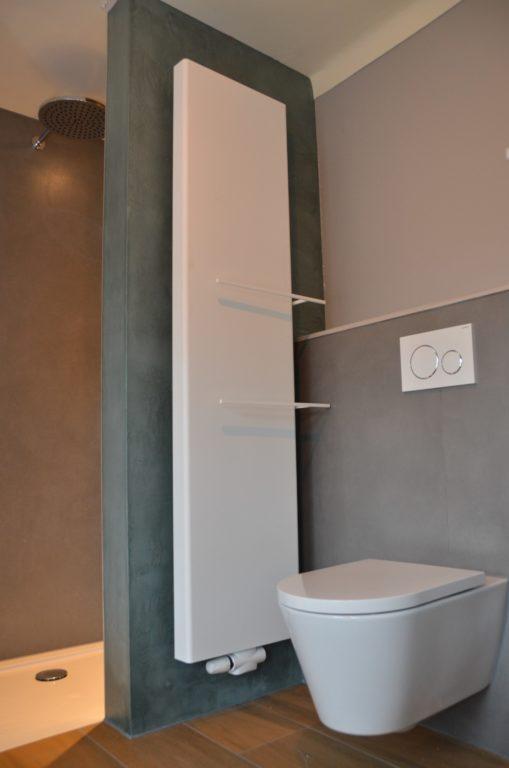 drijvers-oisterwijk-verbouwing-badkamer-spachtelpoets-hout-tegel-interieur-woonhuis (8)-min