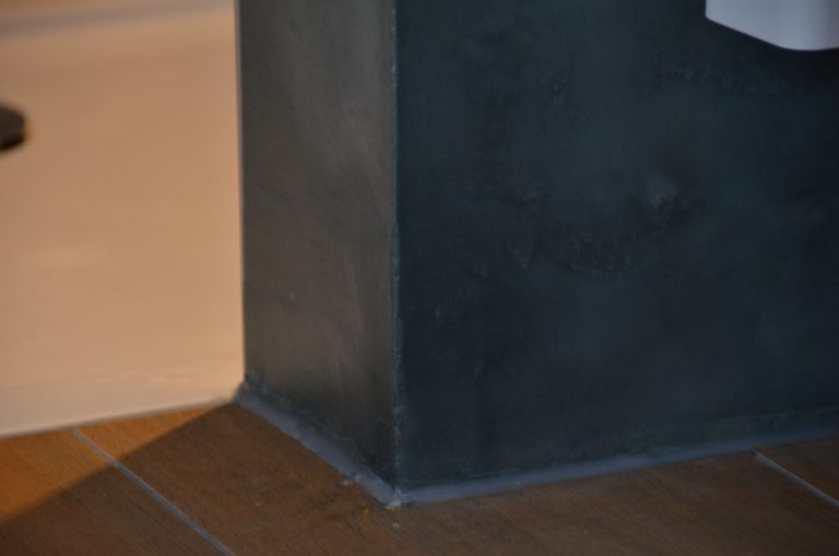 drijvers-oisterwijk-verbouwing-badkamer-spachtelpoets-hout-tegel-interieur-woonhuis (9)-min