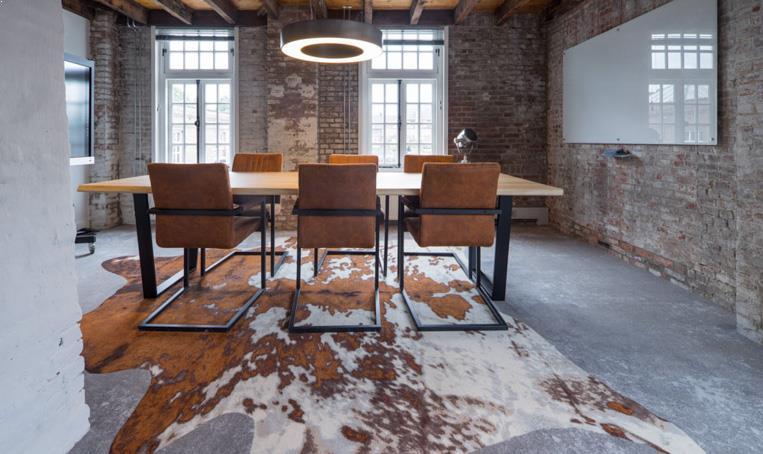 drijvers-oisterwijk-KVL-interieur-leerfabriek-restauratie-kantoor-vergaderruimte-koeienhuid (10)