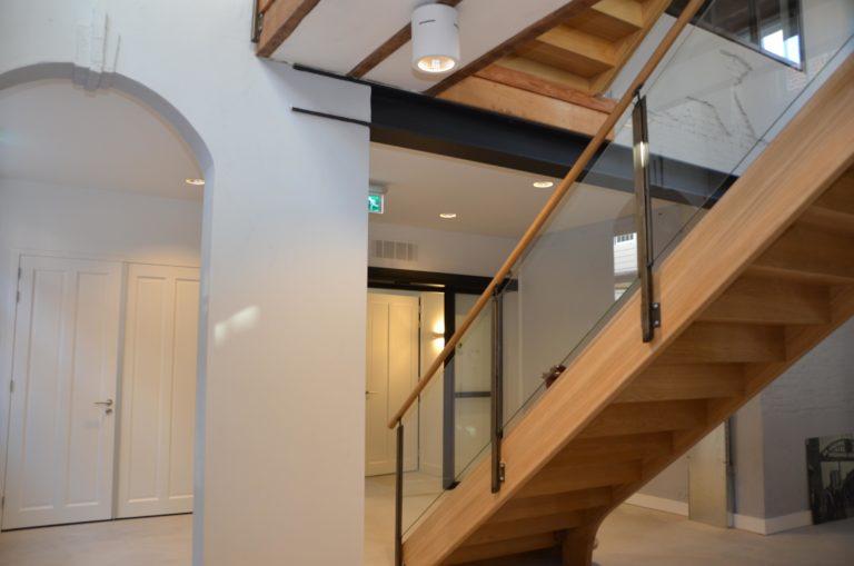 drijvers-oisterwijk-KVL-interieur-leerfabriek-restauratie-trap (31)