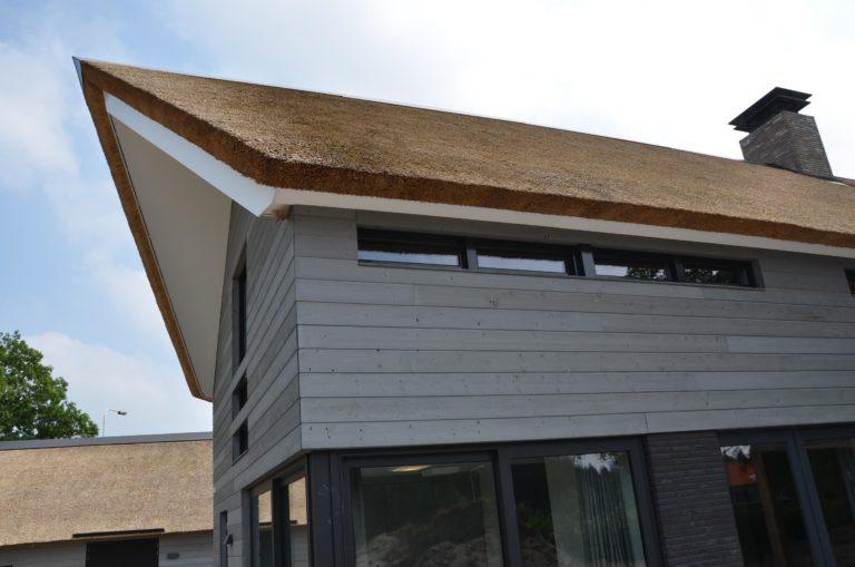 drijvers-oisterwijk-nieuwbouw-villa-riet-hout-bakstenen (17)