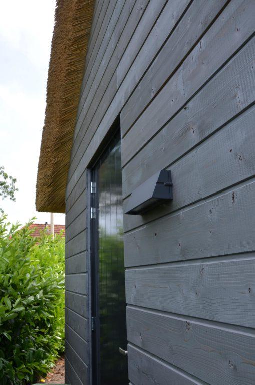 drijvers-oisterwijk-nieuwbouw-villa-riet-hout-bakstenen-verlichting-deur (19)