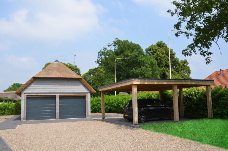 drijvers-oisterwijk-nieuwbouw-villa-riet-hout-bakstenen-carport-bijgebouw-garage (3)