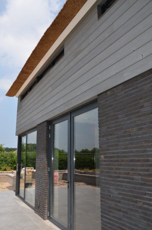 drijvers-oisterwijk-nieuwbouw-villa-riet-hout-bakstenen (32)