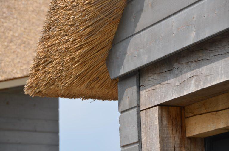 drijvers-oisterwijk-nieuwbouw-villa-riet-hout-detail-bakstenen (8)