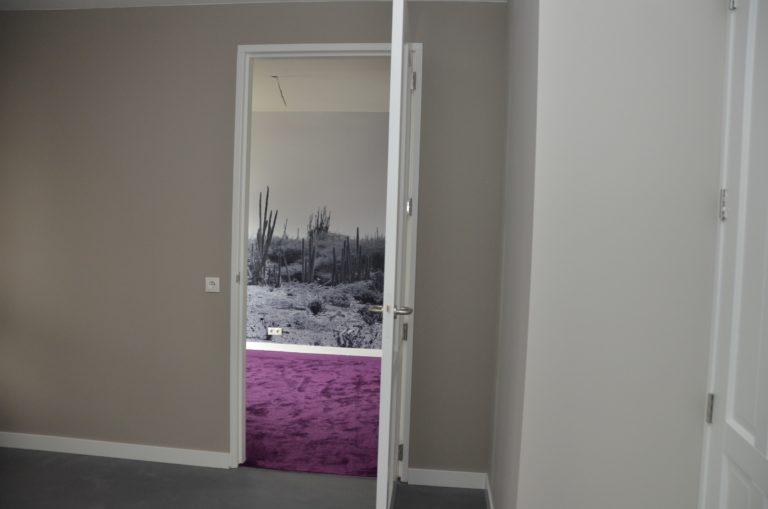 drijvers-oisterwijk-interieur-tapijt-behang-fotoprint-fotobehang-verbouwing-modern-appartement-strak-hout-gezellig (10)-min
