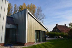 drijvers-oisterwijk-nieuwbouw-exterieur-zink-gevel-dak-strak-modern-bakstenen-deur-raam-pui (14)