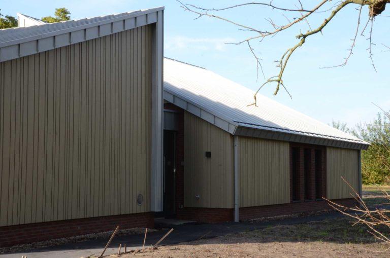 drijvers-oisterwijk-nieuwbouw-exterieur-zink-gevel-dak-strak-modern-bakstenen-deur-raam-pui (5)