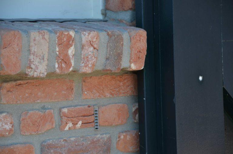 drijvers-oisterwijk-exterieur-boerderij-nieuwbouw-bakstenen-riet-dak-houten-gevel-spant-pannendak-restauratie-traditioneel-landelijk (15)