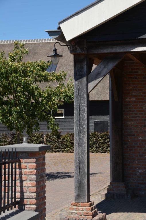 drijvers-oisterwijk-exterieur-boerderij-nieuwbouw-bakstenen-riet-dak-houten-gevel-spant-pannendak-restauratie-traditioneel-landelijk (7)