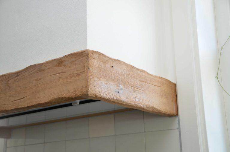 drijvers-oisterwijk-restauratie-interieur-afzuigkap-landelijk-traditioneel-hout-wit-groen (4)