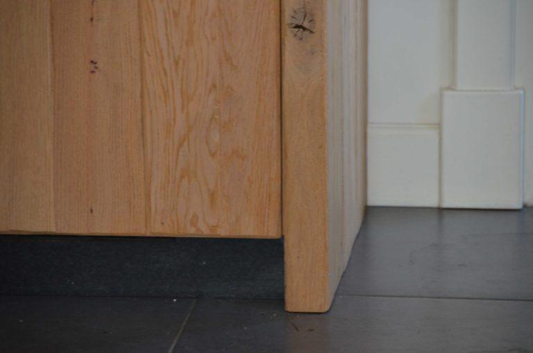 drijvers-oisterwijk-restauratie-interieur-keuken-plint-landelijk-traditioneel-hout-wit-groen (5)