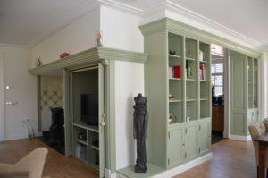drijvers-oisterwijk-restauratie-interieur-kast-kachel-landelijk-traditioneel-hout-wit-groen (6)