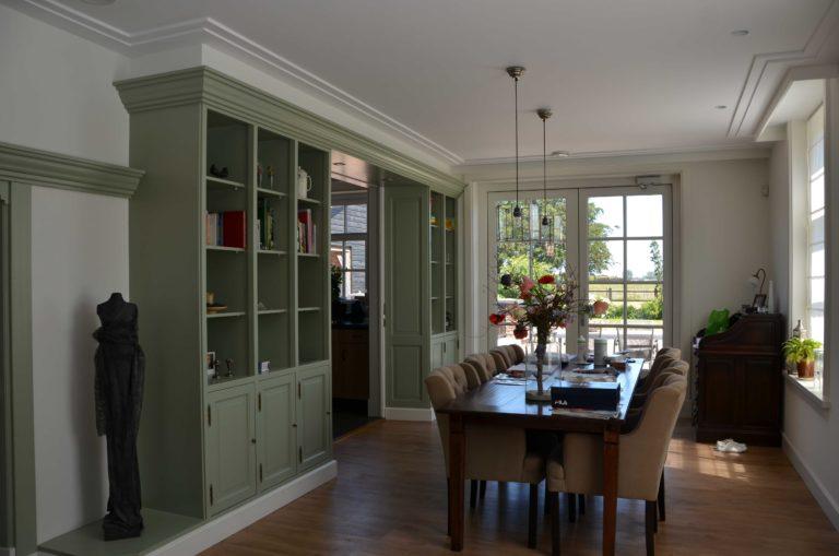 drijvers-oisterwijk-restauratie-eetkamer-kast-interieur-landelijk-traditioneel-hout-wit-groen (7)