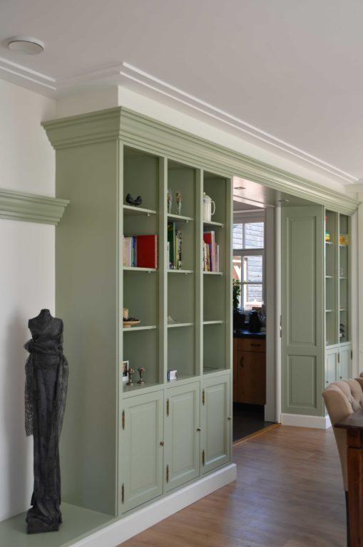drijvers-oisterwijk-restauratie-interieur-kast-landelijk-traditioneel-hout-wit-groen (8)