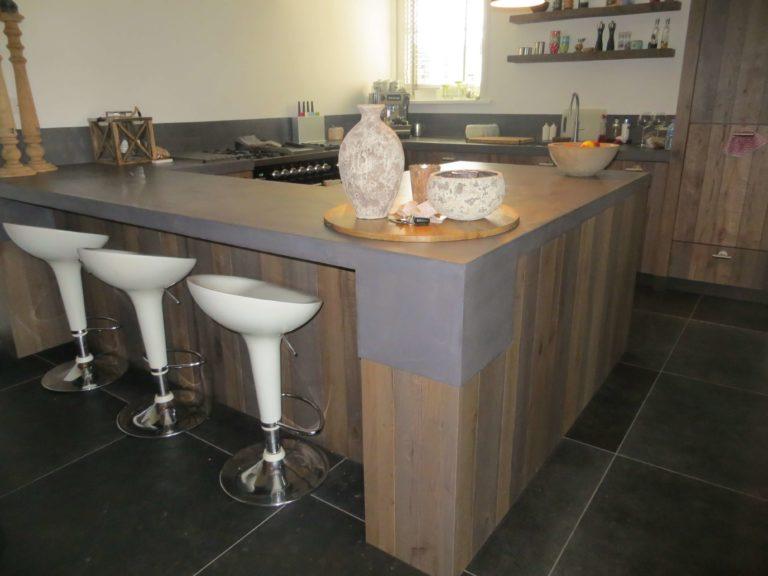 drijvers-oisterwijk-interieur-modern-keuken-bar-stoelen-landelijk-traditioneel-houten-spant-boerderij-villa-nieuwbouw- (39)