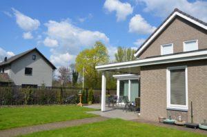 drijvers-oisterwijk-nieuwbouw-exterieur-bakstenen-pannendak-ramen-deuren-carport-schoorsteen-serre (4)
