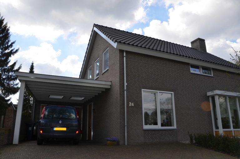 drijvers-oisterwijk-nieuwbouw-exterieur-bakstenen-pannendak-ramen-deuren-carport-schoorsteen-serre (9).jpeg