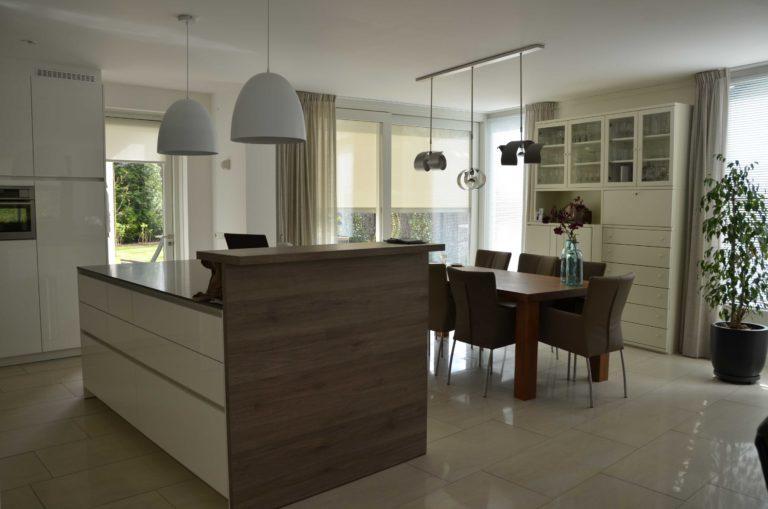 drijvers-oisterwijk-nieuwbouw-interieur-modern-strak-traditioneel-wit-hout-verlichting (14)